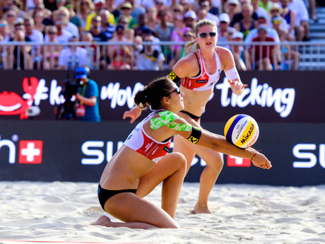 WM_Vienna_2017_AustriasKatharinaHolzerbackandTeresaStraussworktogether_FIVB_01P_1352.jpg